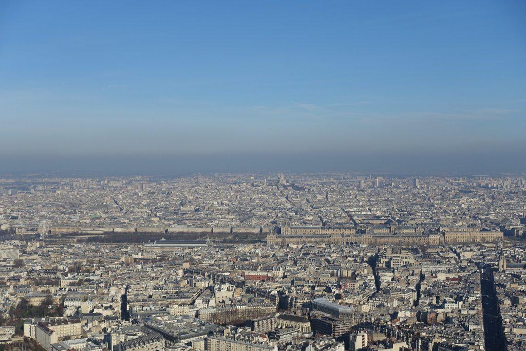 Vyhlídka na Louvre a Jardin des Tuileries z Tour Montparnasse