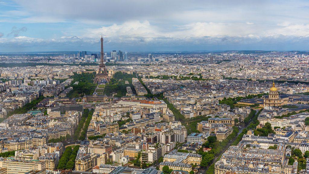 Vyhlídka na Paříž a Eiffelovu věž z Tour Montparnasse
