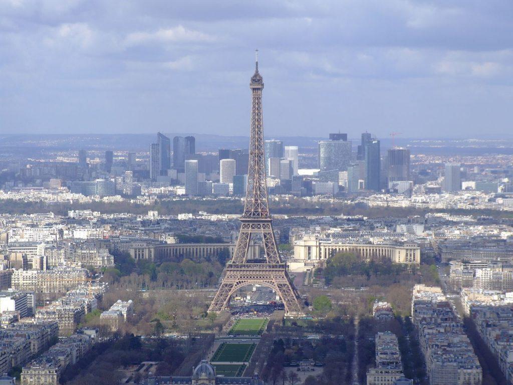 Eiffelova věž z Tour Montparnasse